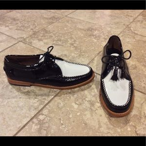 NEW Weejuns women black white leather Oxford shoes